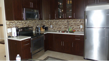 Newly remodeled villa with back patio-Gorgeous upgrades-Washer and dryer inside. Close to I 95 and downtown Delray